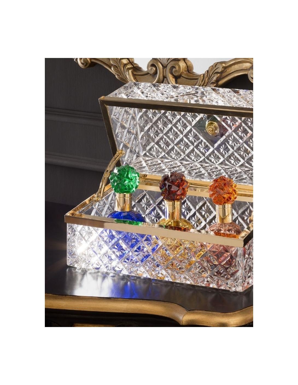 Shangri-la coffer with 3 perfumes...